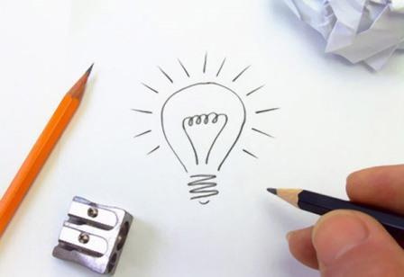 Phác thảo ý tưởng trên giấy trước khi bắt đầu thiết kế Brochure