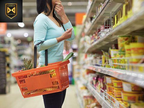dựa tâm lý người tiêu dùng để lựa chọn chiến lược giá sản phẩm mua Facebook