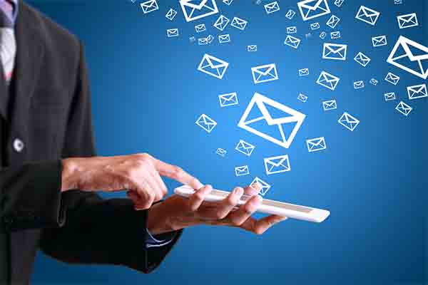 Sử dụng phần mềm trực tuyến gửi Email hàng loạt