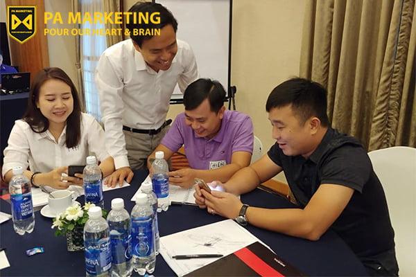 co-the-dang-ky-khoa-dao-tao-marketing-1-1-tai-ha-noi-theo-nhom-2-3-nguoi-de-tiet-kiem-hoc-phi